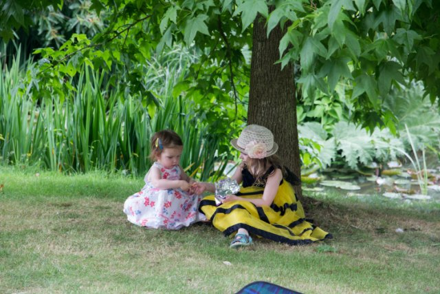 Living Arrows - visiting Whipsnade and seeing cousins